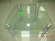 Подставки для теле- аудиоаппаратуры из стекла.