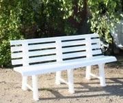 Пластиковые лежаки (шезлонги),  скамейки